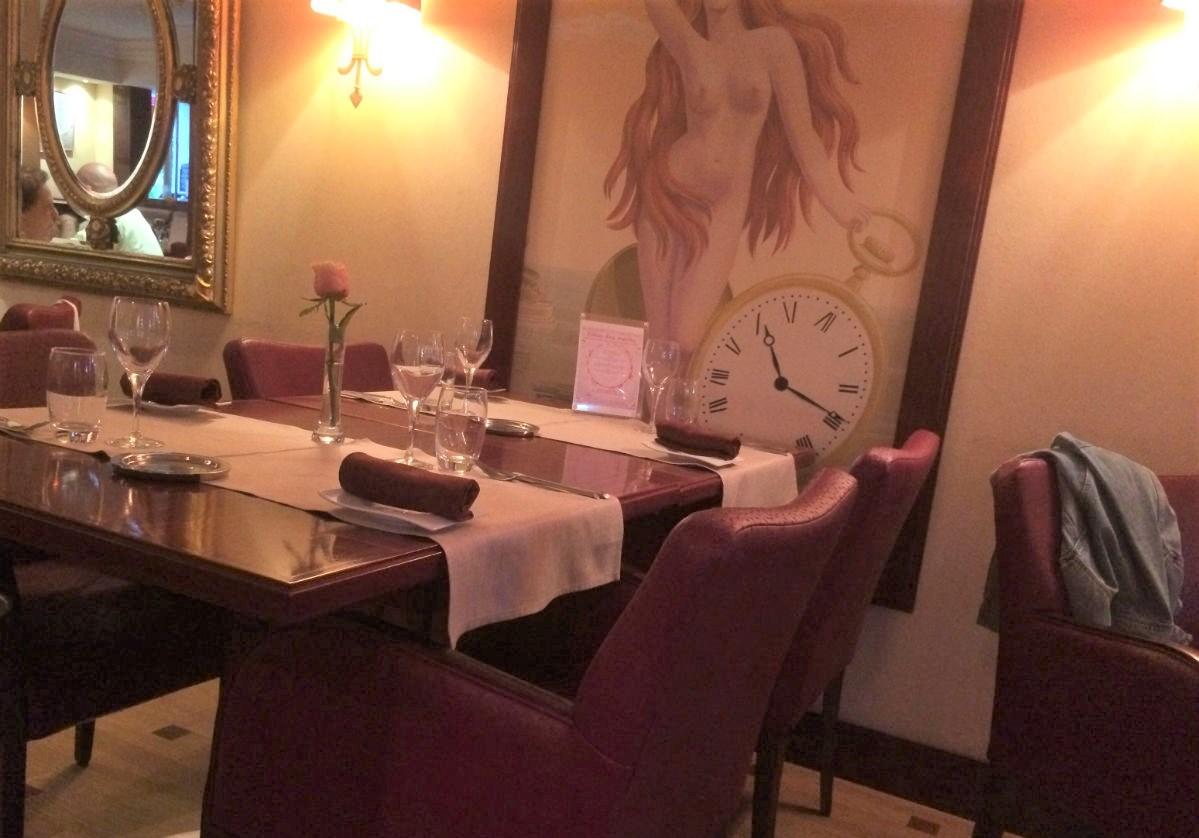 table restaurant horloge nice