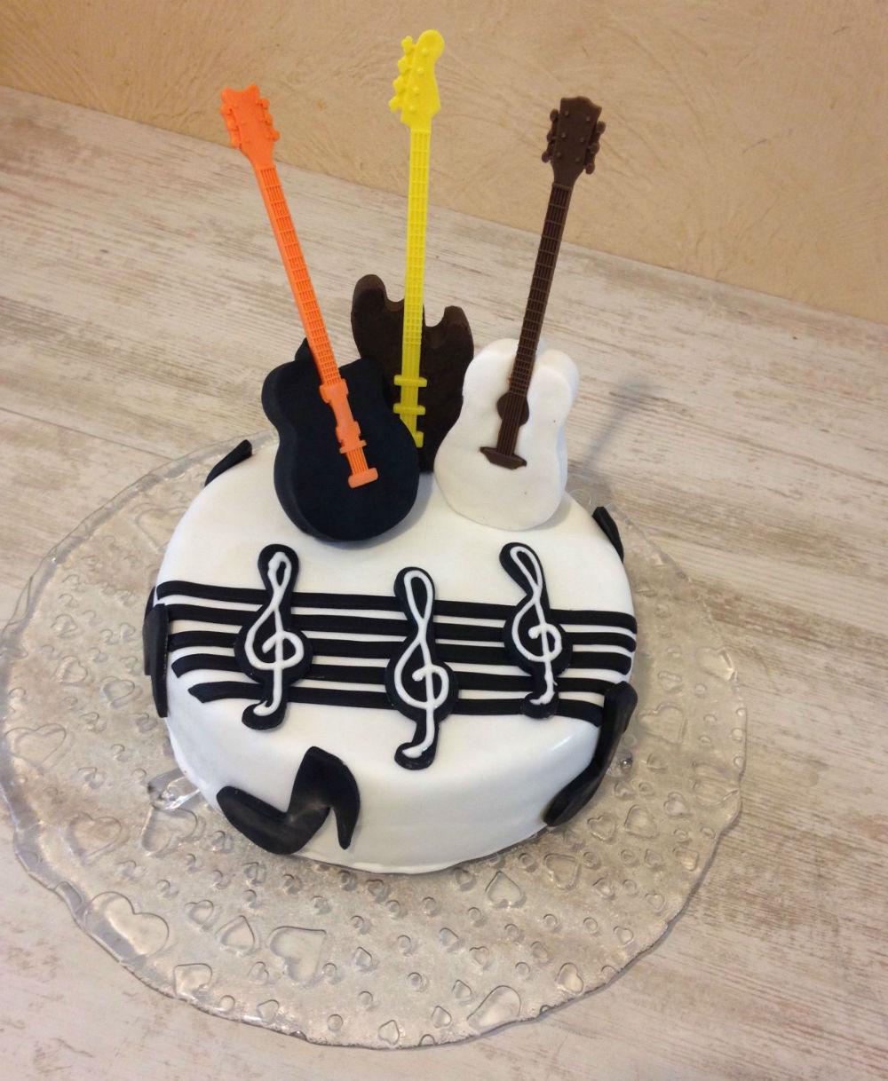 idee gateau anniversaire musicien