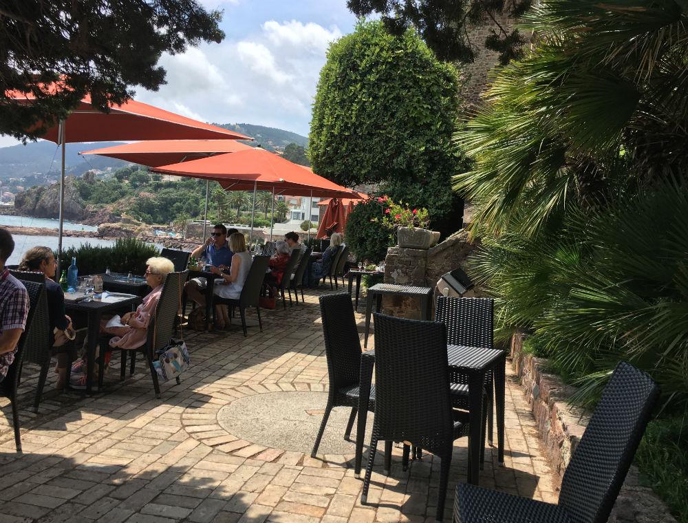 restaurant chateau mandelieu