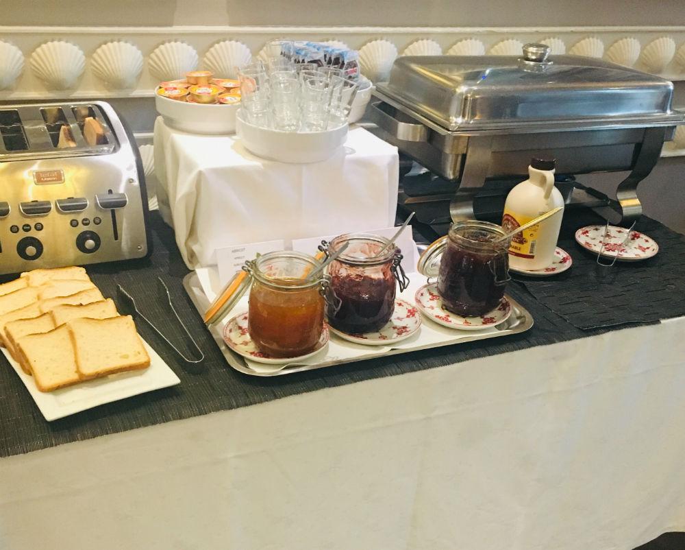 petit dejeuner buffet hotel elligton