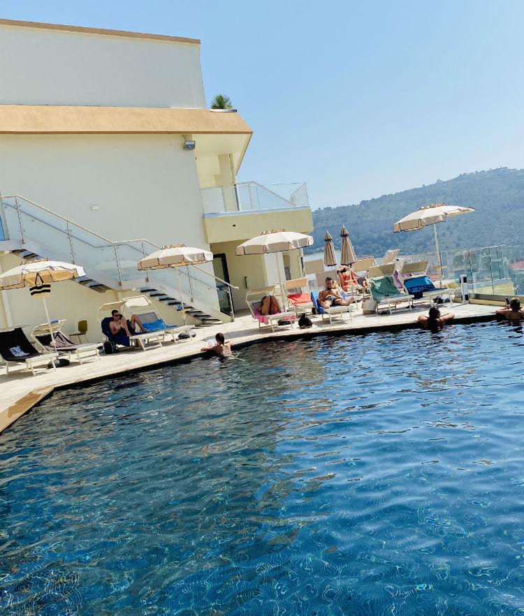 piscine terrasses eze