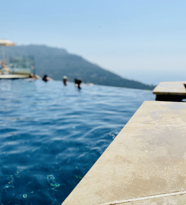terrasses eze piscine